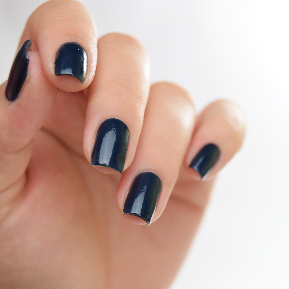 essie surrounded by studs Stamping Design 6