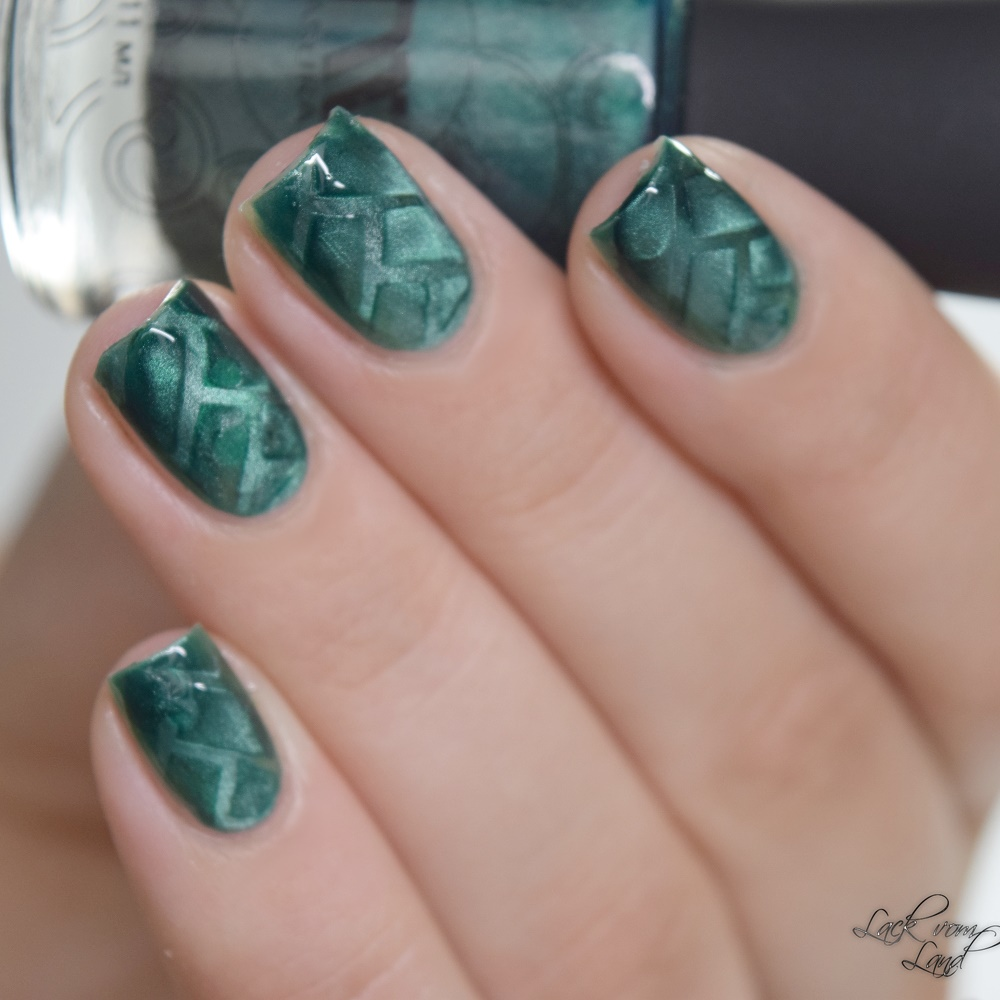 masura-cats-eye-nailvinyls-1