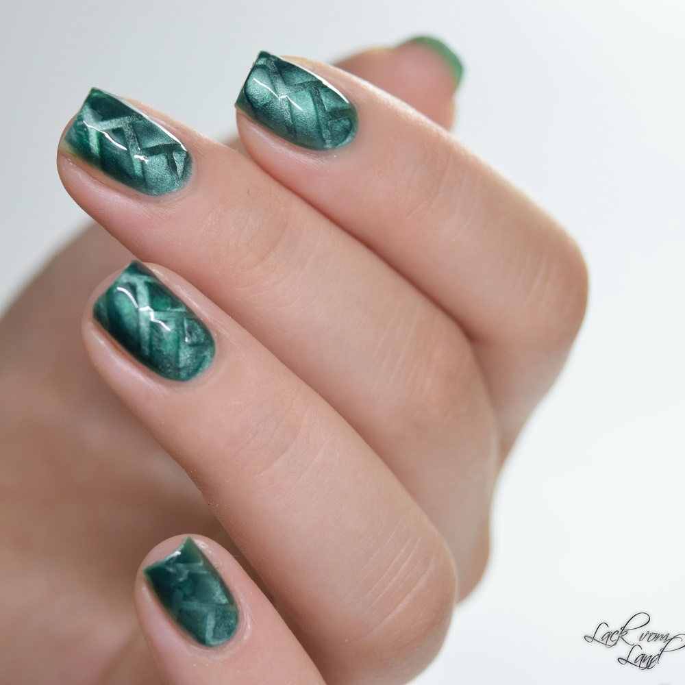 masura-cats-eye-nailvinyls-4