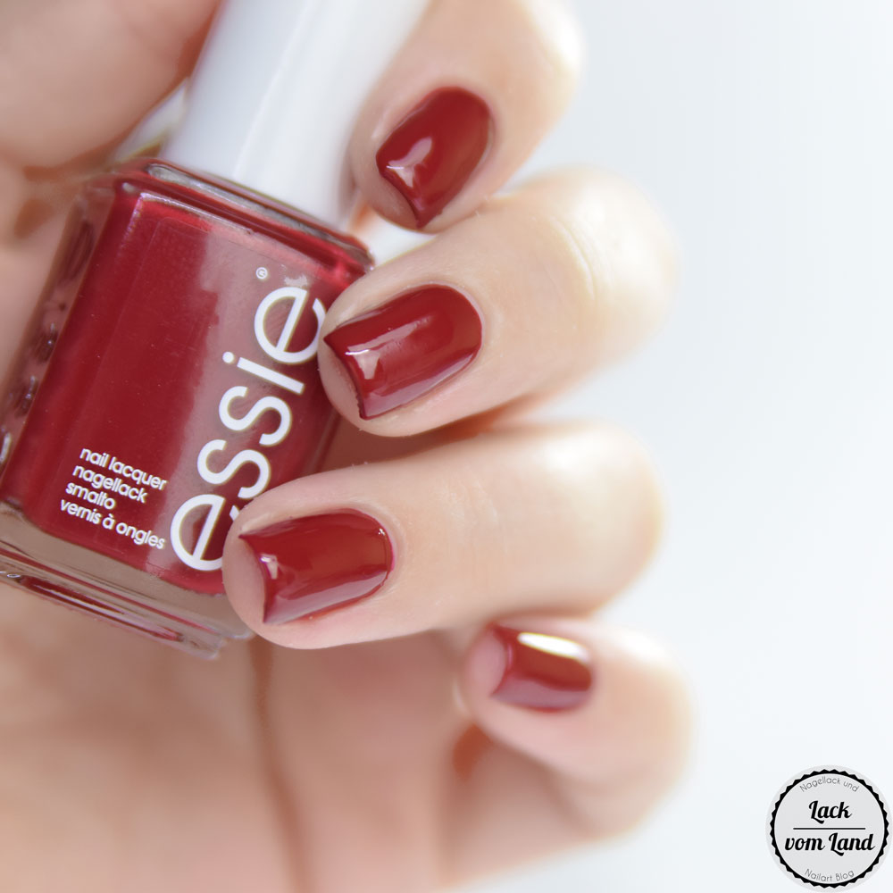 essie-party-on-a-platform-1