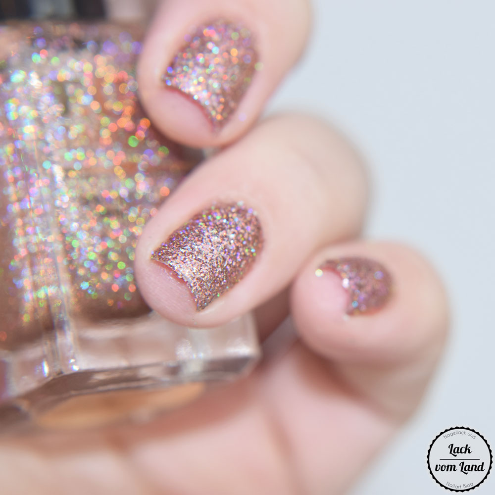 f-u-n-lacquer-royal-chapel-2