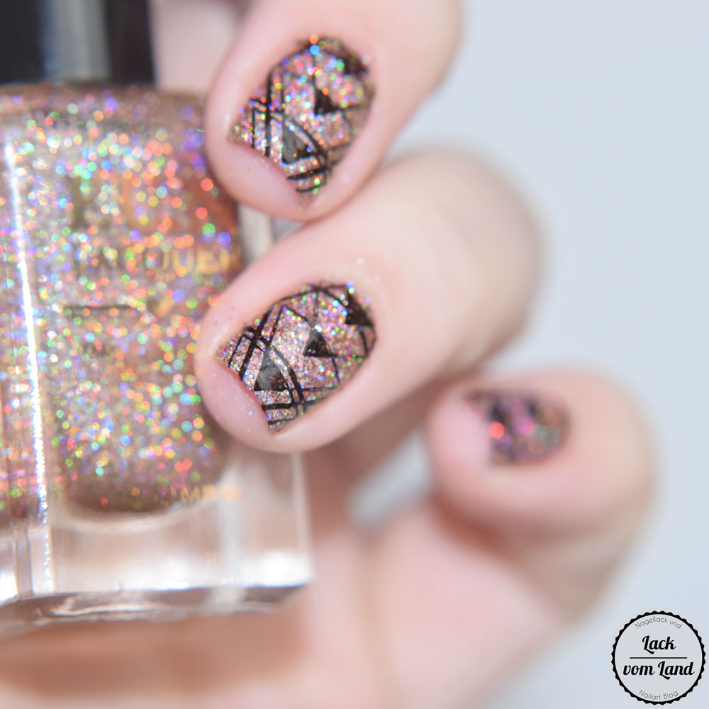 f-u-n-lacquer-royal-chapel-6